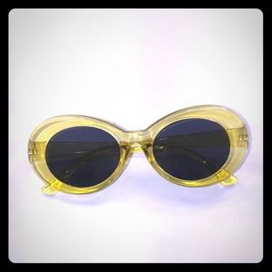 """Accessories - clear yellow """"clout goggles"""""""
